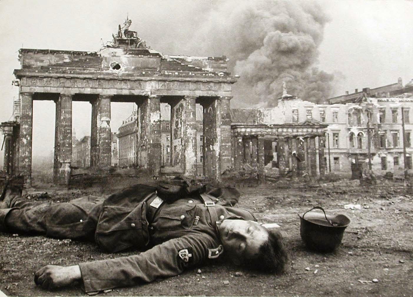 Brandenburg Gate April 1945