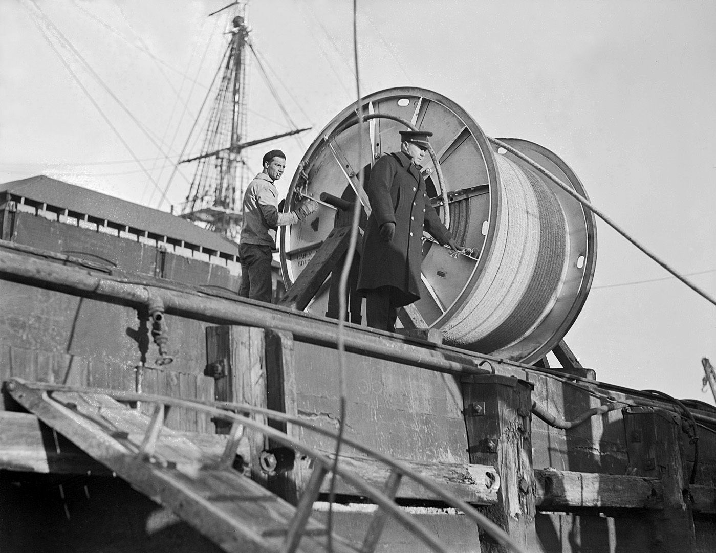 Cable laying, Peqout